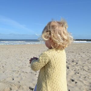 Anna's Summer Cardigan van Petite Knit in biologisch wol katoen duurzaam