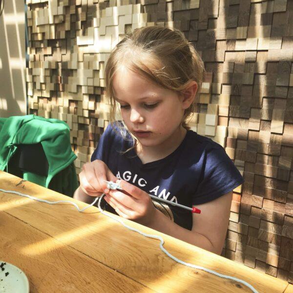 breiles kids kinderen jongeren leren breien den haag scheveningen